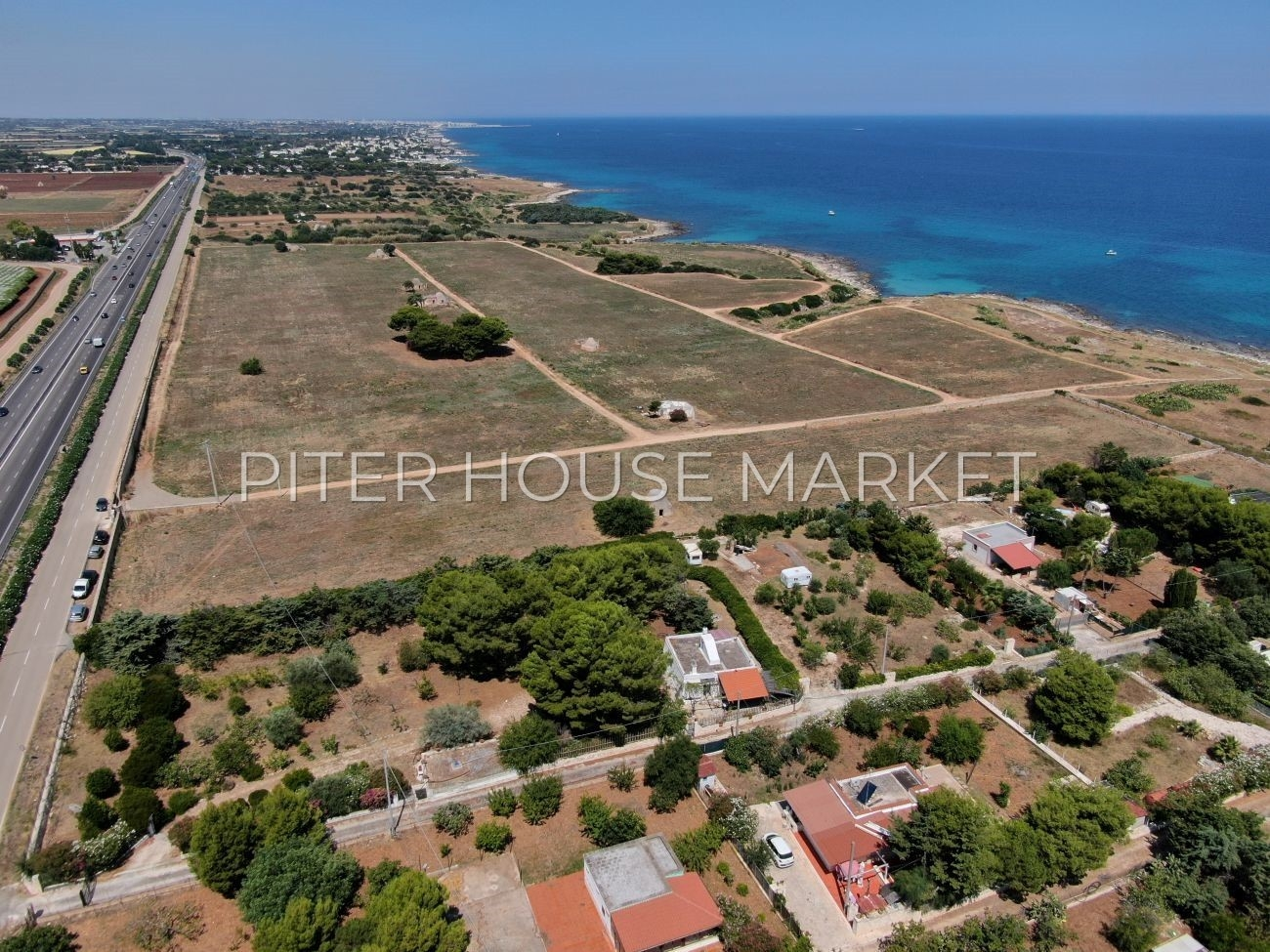 Villa near the sea for sale